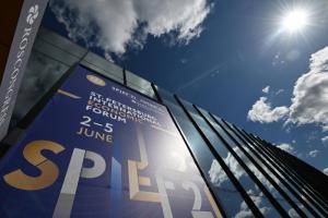 Какие важные для Петербурга соглашения подписали на ПМЭФ. Новая инфекционная больница, научный центр «Невская дельта» и почтовый терминал в Пулкове