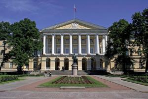 На сайте Смольного в дни ПМЭФ перестали публиковать альтернативную статистику по коронавирусу в Петербурге