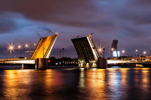 В ночь на 13 июня в Петербурге не будут разводить мосты. Всё из-за празднования Дня России