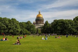 В Петербург приходит аномальная жара 🥵 Как долго она продлится и будут ли дожди — отвечает синоптик