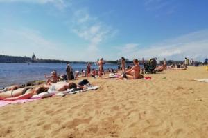 В Петербурге третий день подряд исторический рекорд жары. Синоптик рассказал, когда станет прохладнее