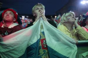 Где смотреть решающий матч сборных России и Дании? От телеэфира до текстовых трансляций и фан-зон