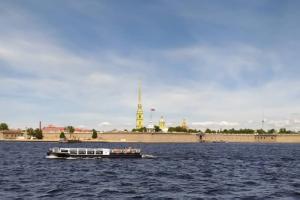 В Петербурге пятый день подряд исторический рекорд жары. МЧС предупреждает о потеплении до +35 градусов