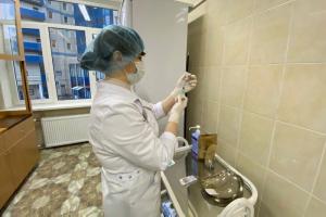 Вице-губернатор Петербурга Эргашев допустил новые ограничения, если темпы вакцинации не вырастут