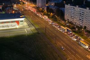На востоке Петербурга — многочасовые пробки из-за ремонта Мурманского и Рябовского шоссе. Когда это закончится и что известно о причинах транспортного коллапса