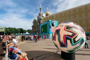 В июле на десятке улиц в центре Петербурга запретят движение из-за Евро-2020. Вот список ограничений
