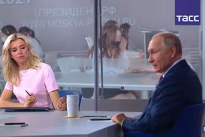 Владимир Путин прокомментировал Евро-2020 в Петербурге и вакцинацию от коронавируса. Президент рассказал, что привился «Спутником V»