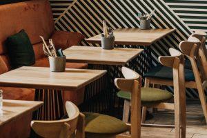На Лиговском проспекте открыли азиатское кафе Nudel. Там готовят лапшу, супы и булочки бао с разными начинками