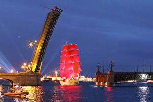 Троицкий мост 14 июня разведут на всю ночь из-за подготовки к «Алым парусам»