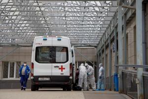 СМИ пишут про петербурженку, 11 месяцев болевшую коронавирусом. Такое бывает? Почему? Рассказывает врач-инфекционист