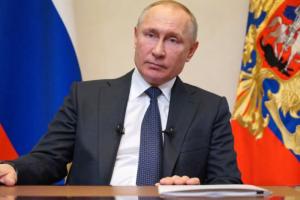 Путин подписал закон, позволяющий удалять порочащую честь информацию без решения суда