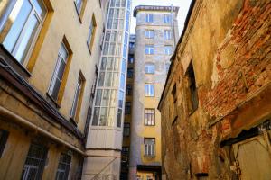 Почему исторический центр Петербурга в упадке? Мнения читателей «Бумаги»