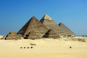 Путин разрешил возобновить полеты на курорты Египта. Ограничение действовало с 2015 года