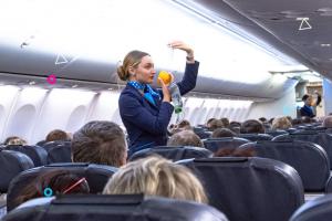 «Победа» заявила о повышении цен на авиабилеты минимум на 2 % из-за новых правил для бортпроводников