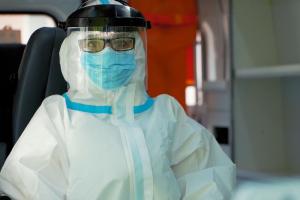 Петербург преодолел пик третьей волны коронавируса — это показали официальная и независимая статистики