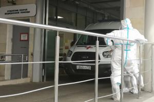 Мариинская больница скоро начнет работу в штатном режиме. Пациентов с COVID-19 переводят в другие стационары