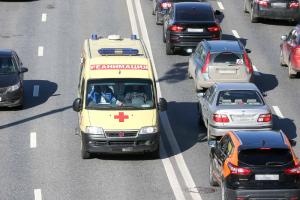 В Петербурге 547 госпитализаций за сутки — почти в два раза меньше, чем в конце июня. Это говорит о снижении интенсивности распространения COVID-19