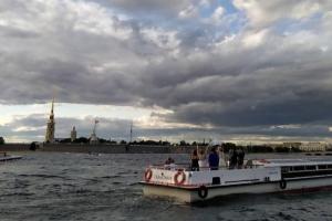В Петербурге снова жара, но вот-вот похолодает. Какой будет погода в конце июля и начале августа — рассказывает синоптик