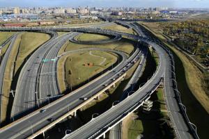 Путин предложил построить вокруг Петербурга еще одно автомобильное кольцо