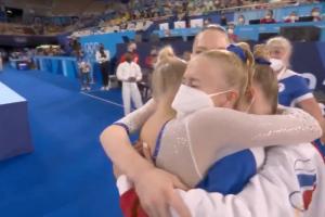 Российские гимнастки впервые в истории выиграли золотые медали Олимпиады в многоборье. Среди них была петербурженка Лилия Ахаимова 🥇