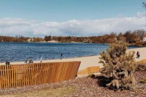 Роспотребнадзор наконец-то нашел петербургское озеро, в котором можно купаться! Оно находится в Озерках