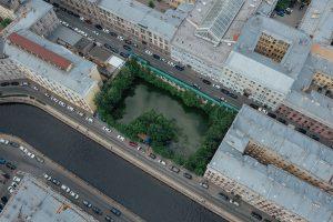 История таинственного пруда в самом центре Петербурга. Он появился совершенно случайно и почти 10 лет остается незамеченным