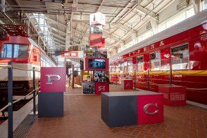 В Музее железных дорог России — выставка к 90-летию «Красной стрелы». Посмотрите на интерьеры поезда разных времен, посуду для пассажиров и архивные документы