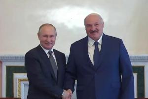 В Петербурге прошла внезапная встреча Лукашенко и Путина. Что происходило в городе и как в соцсетях комментировали переговоры