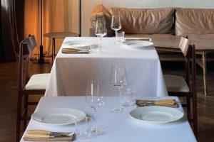 Над Harvest на Добролюбова открыли ресторан Recolte от Duoband. Это первое заведение команды с приглашенным шефом