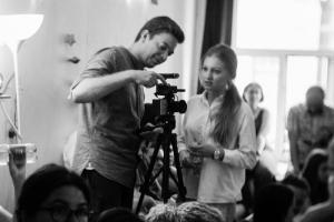 Авторы документального фильма «Волна» — о феномене радиовещания 90-х, начале карьеры Нагиева и жизни в китайском общежитии во время съемок в Париже