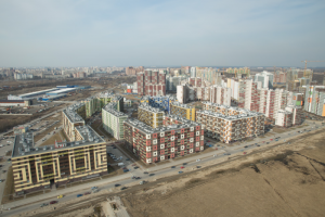 Что известно о запахе гари на юго-востоке Петербурга. Жители уже год обвиняют завод, власти его проверяют — но не находят загрязнений в воздухе