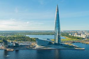 «Газпром» официально сменил место регистрации с Москвы на Петербург. Это увеличит бюджет города за счет налога на прибыль