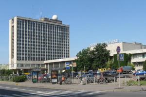 Помните модернистское здание Ленинградского дворца молодежи на Песочной набережной? Его, вероятно, снесут, чтобы построить премиальный ЖК