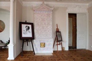 Петербурженка отреставрировала комнаты в Пряничном доме — ей так понравился результат, что она создала арт-пространство. Что нашли внутри и как теперь выглядят помещения