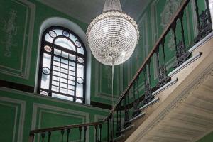 Где в Петербурге искать красивые парадные, витражи и двери? Собрали для вас список интерактивных карт 🗺️