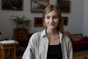Как работать в кайф, если ты инстаграм-блогер? Анастасия Нестеренко (@snova_nastia) — о ежедневных утренних постах, реакции на хейт и отдыхе на природе