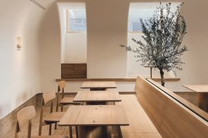 Osteria Betulla — второй проект команды Birch, одного из лучших ресторанов России. Это «итальянская столовая» в подвале