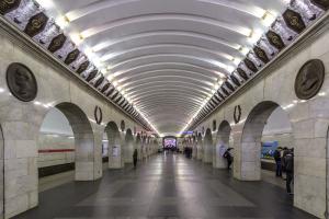 Станцию «Технологический институт — 1» обещали открыть в августе, но этого не произойдет. Ее ремонтируют уже больше года