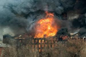 Владельца сгоревшего здания «Невской мануфактуры» оштрафовали на 1 миллион рублей