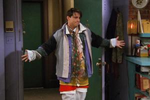 Вы тоже ждете включения отопления? Петербуржцы спят под двумя одеялами и предлагают ввести в городе еще один сезон — когда в квартире дубак 🥶