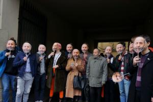 К зданию Горизбиркома пришел десяток Борисов Вишневских. Это акция «Молодежного Яблока»