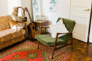 Как искать винтажную мебель на «Авито»? Рассказывает начинающая реставраторка