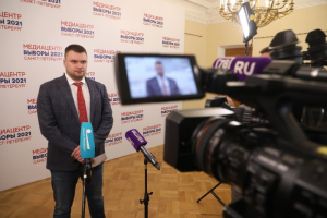 На юге Петербурга выдававшие себя за членов СПЧ люди угрожали избирательным комиссиям, рассказали в Горизбиркоме