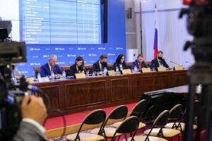 «В Петербурге была война всех против всех». Политологи — об успехе КПРФ и «Новых людей», провале «Яблока» и низкой явке