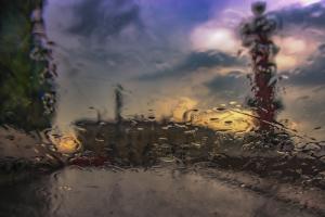 «Яндекс» выяснил, что Петербург — не самый дождливый город России в октябре. Как так вышло?