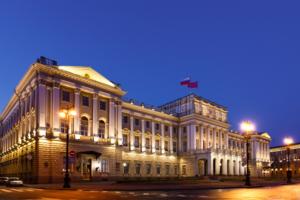 Беглов освободил от должности двух вице-губернаторов, двух глав районов и председателя комитета по социальной политике. Они станут депутатами Закса