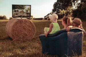 Интернет, телевидение и кино — в новом пакете «Засмотрись» от «Дом.ру». Вот почему это удобно