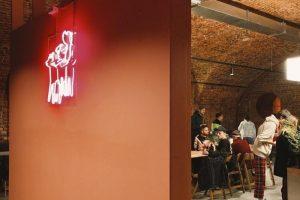 Бар Mishka переехал в новое помещение — на Конногвардейский бульвар. Вскоре там же откроют кафе с бранчами