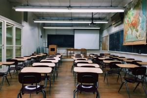 В петербургских школах в дни голосования отменят уроки, пишет «Фонтанка». В Смольном говорят, что этот вопрос еще не решен
