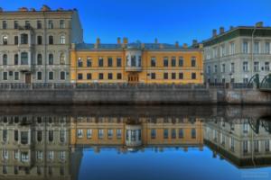 В центре Петербурга в подвале дома нашли тело женщины. Возбуждено уголовное дело об убийстве